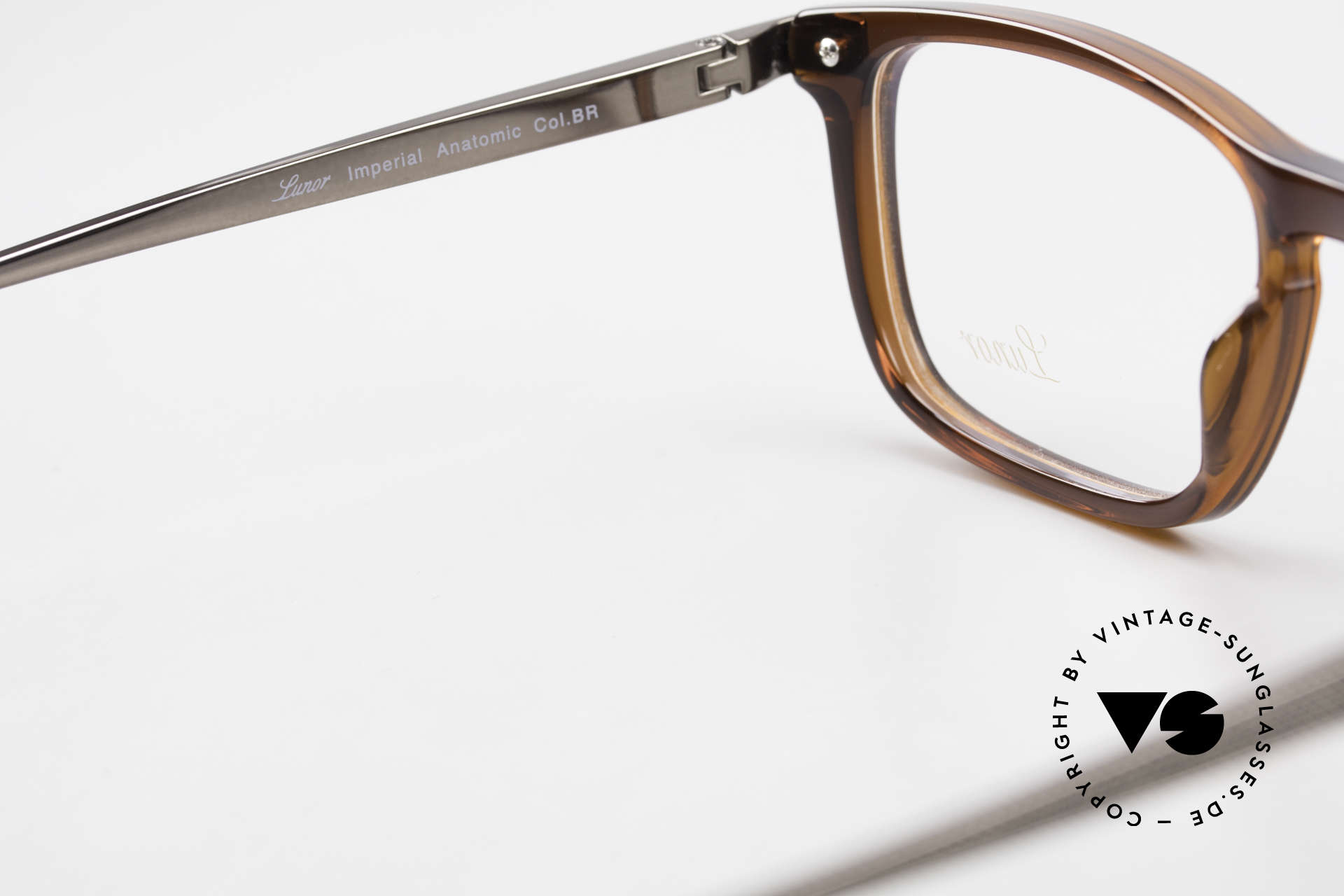 Lunor Imperial Anatomic Titanium Frame 2012 Unisex, timeless unisex model of the Lunor Collection from 2012, Made for Men and Women