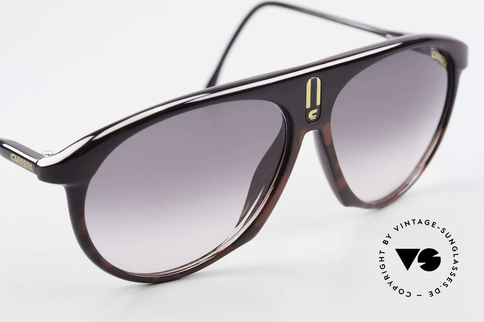 Carrera 5427 Sports Sunglasses 80's Unisex, very interesting frame pattern in bordeaux-black, Made for Men and Women