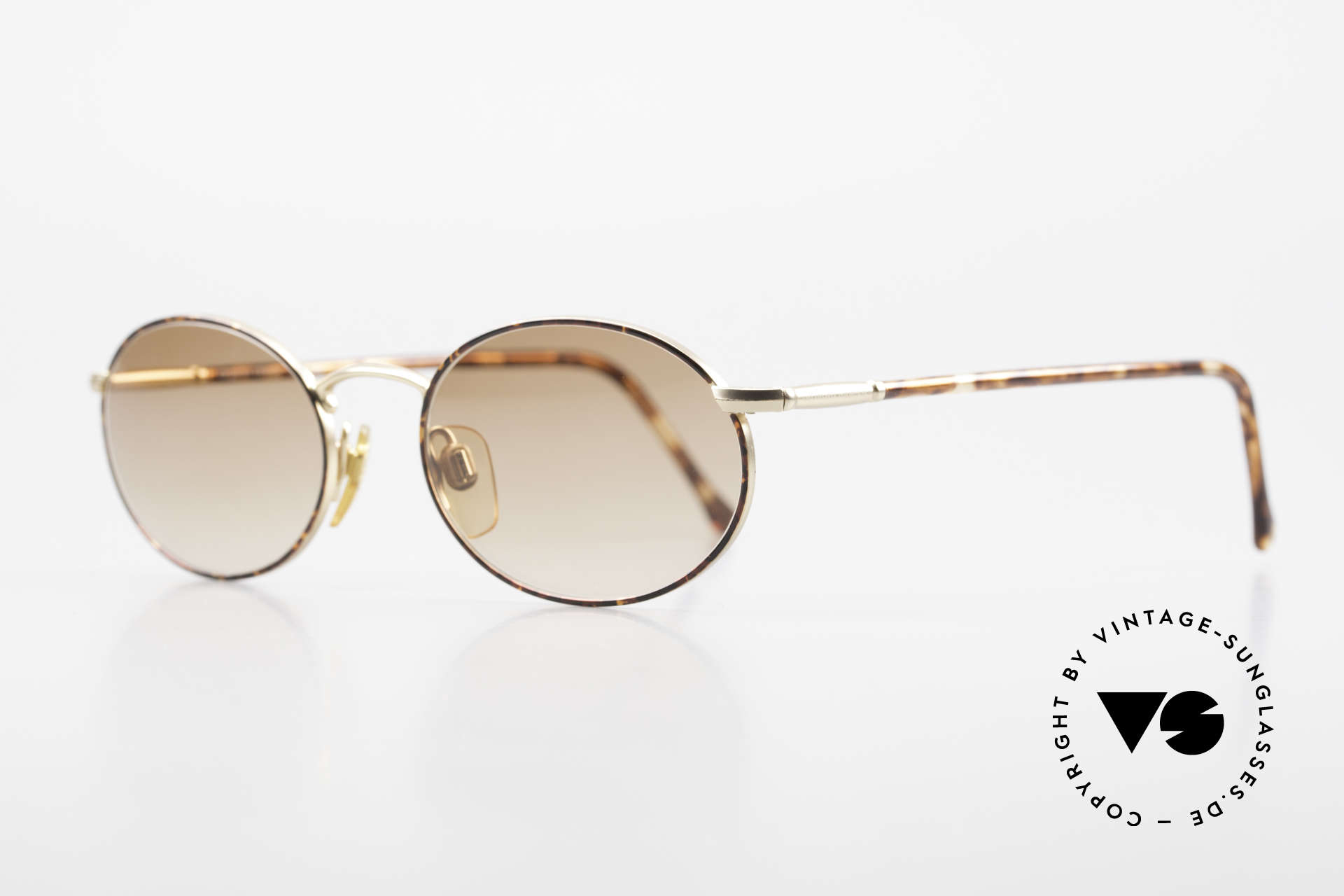 Giorgio Armani 192 80's Sunglasses Oval Vintage, never worn (like all our vintage 1980's Armani shades), Made for Men and Women