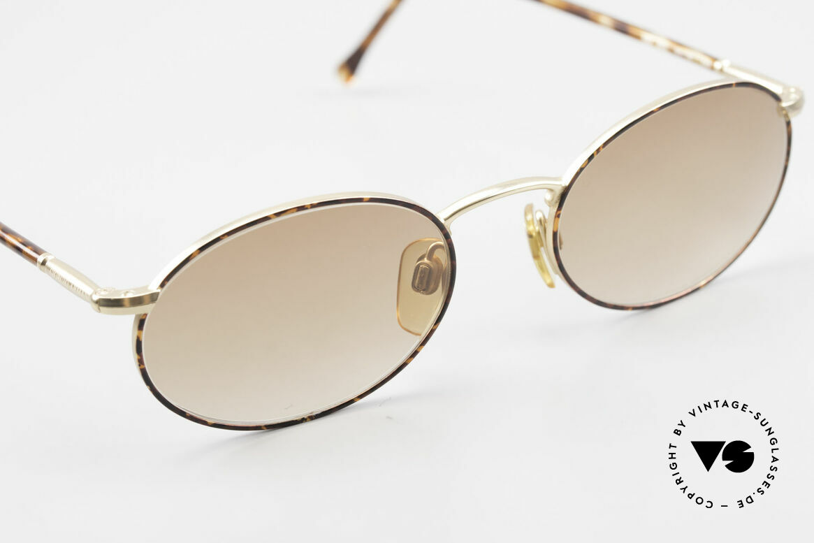 Giorgio Armani 192 80's Sunglasses Oval Vintage, metal frame (in size 50-20) with flexible spring hinges, Made for Men and Women