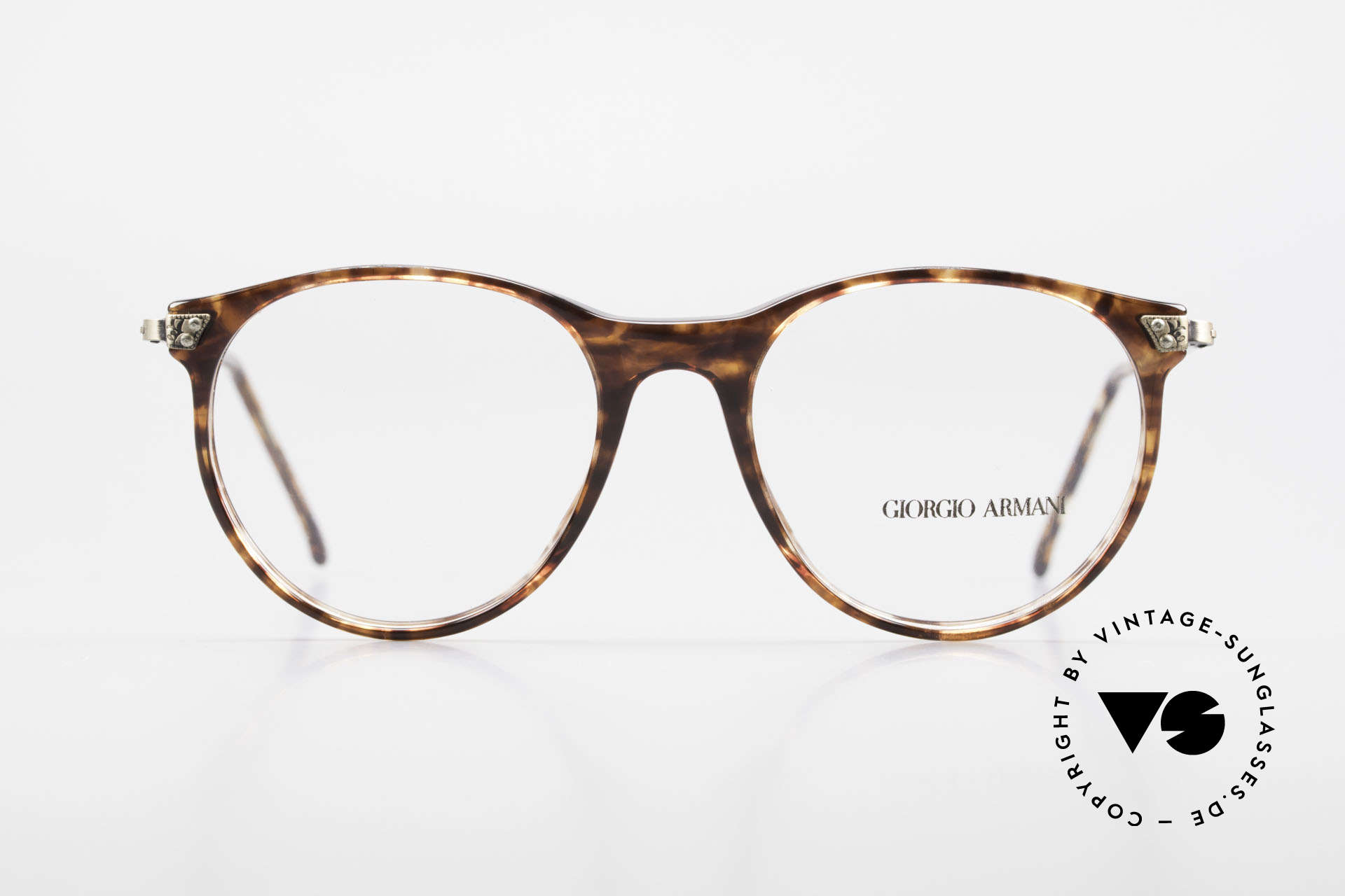 Giorgio Armani 330 True Vintage Unisex Glasses, classic, timeless, elegant = characteristic of GA, Made for Men and Women
