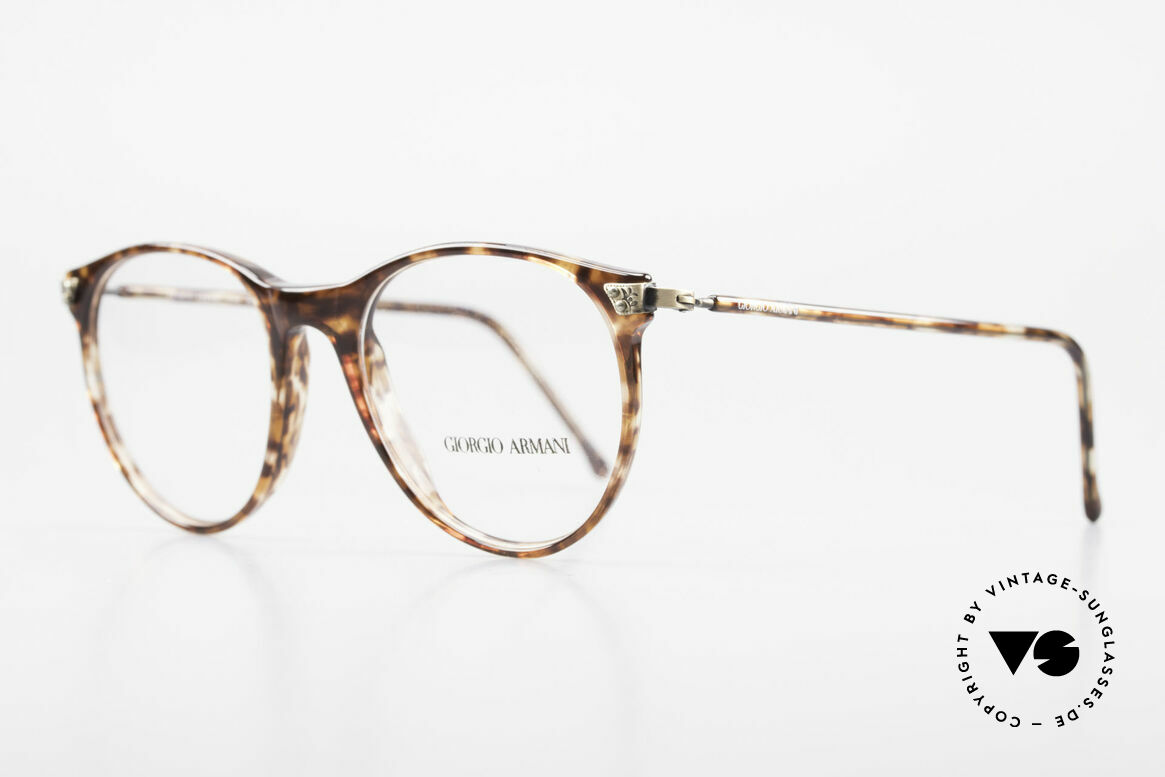 Giorgio Armani 330 True Vintage Unisex Glasses, great combination of quality, design and comfort, Made for Men and Women