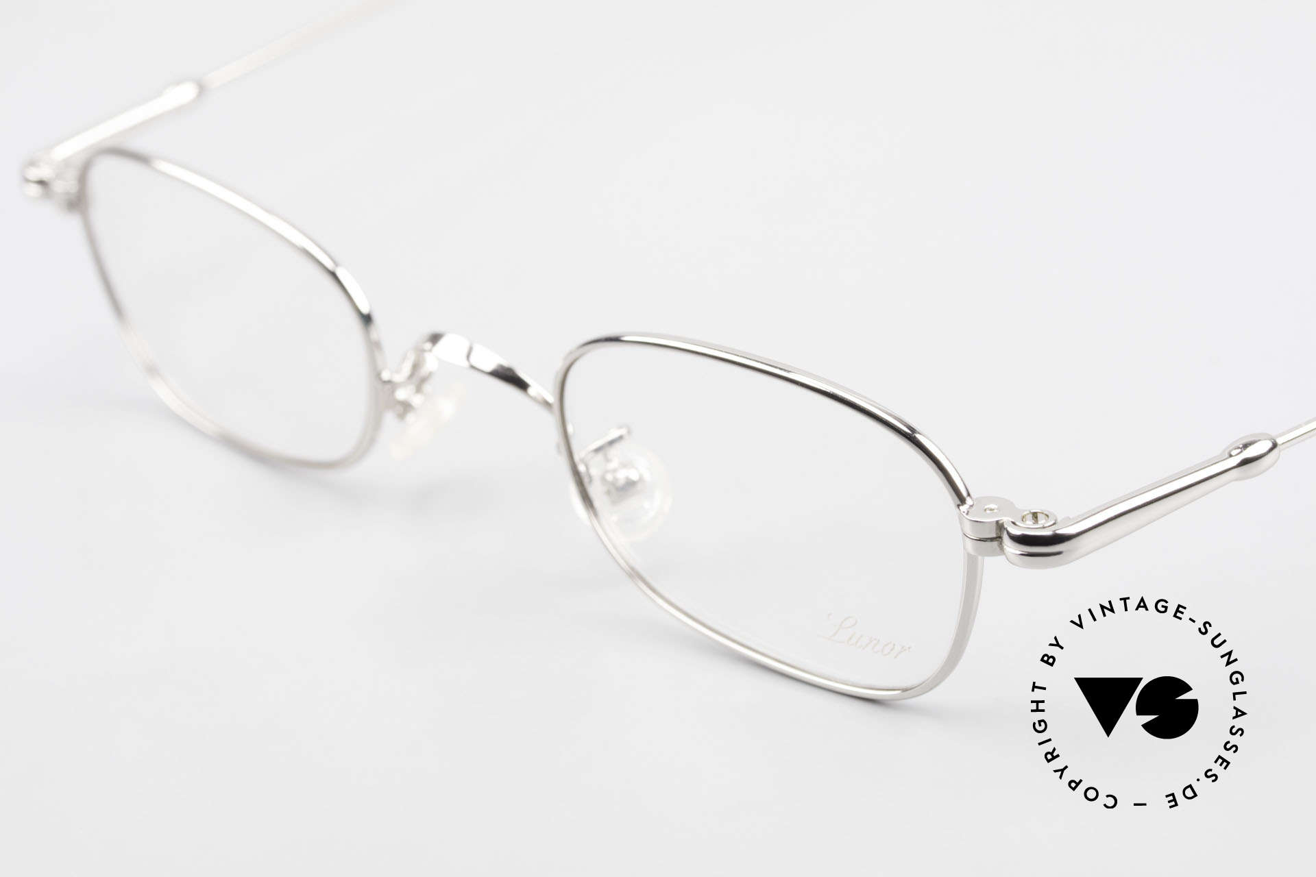 Lunor V 106 Full Metal Frame Platinum, from the 2011's collection, but in a well-known quality, Made for Men and Women