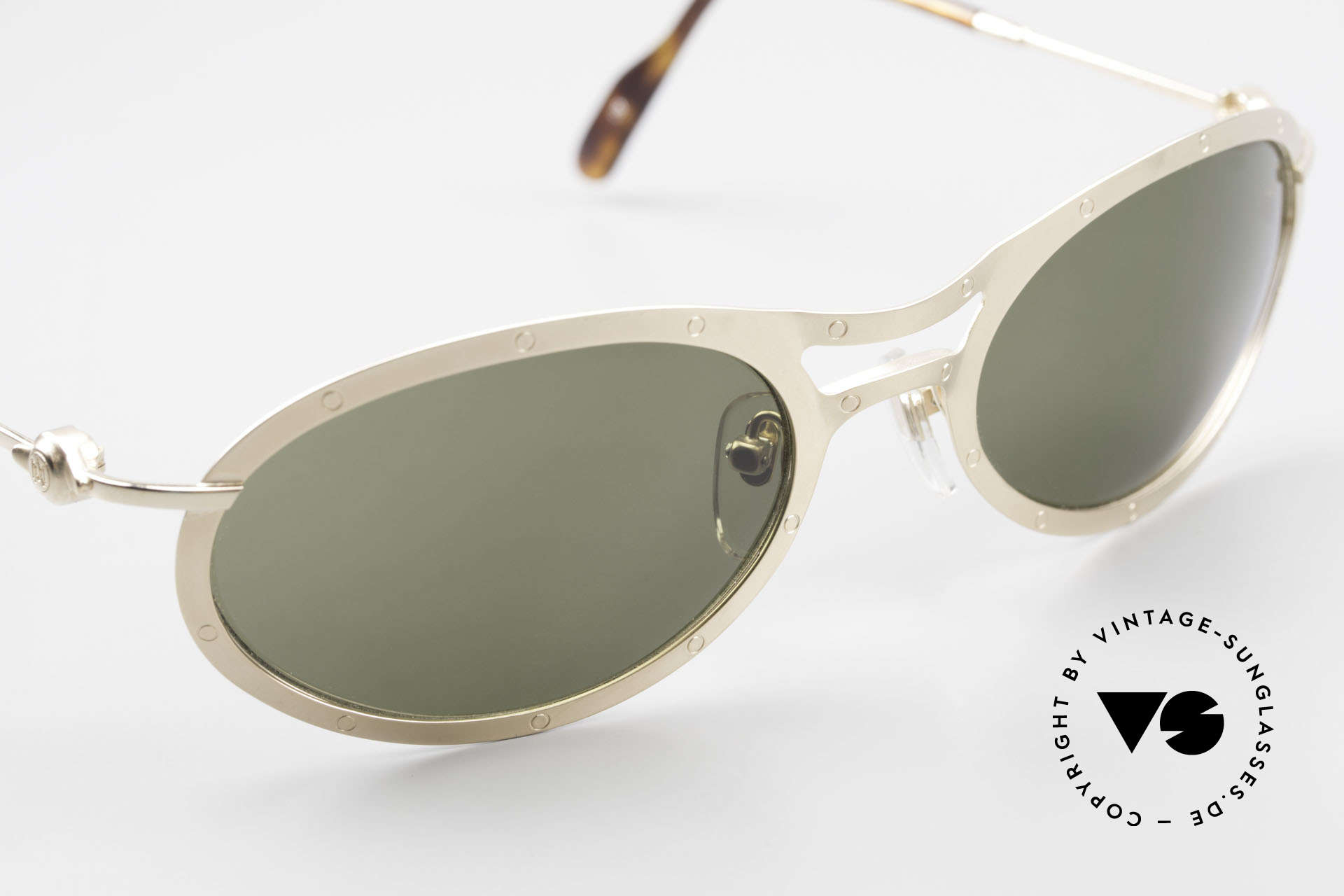 Aston Martin AM33 Sporty Luxury Sunglasses 90's, NO RETRO design glasses, but a unique 1990's original!, Made for Men