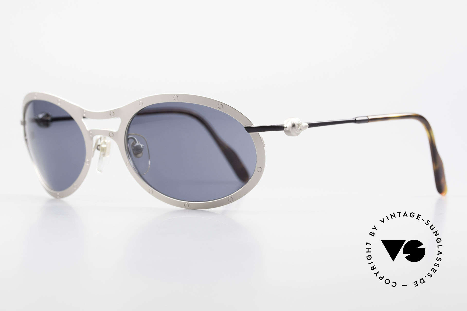 Aston Martin AM33 Sporty Men's Sunglasses 90's, sporty and elegant classic: James Bond 'gentlemen style', Made for Men
