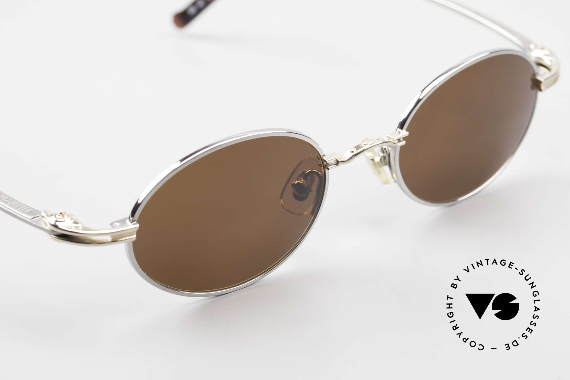 Aston Martin AM43 Ergonomic Oval Sunglasses, never worn (like all our rare VINTAGE high-end shades), Made for Men