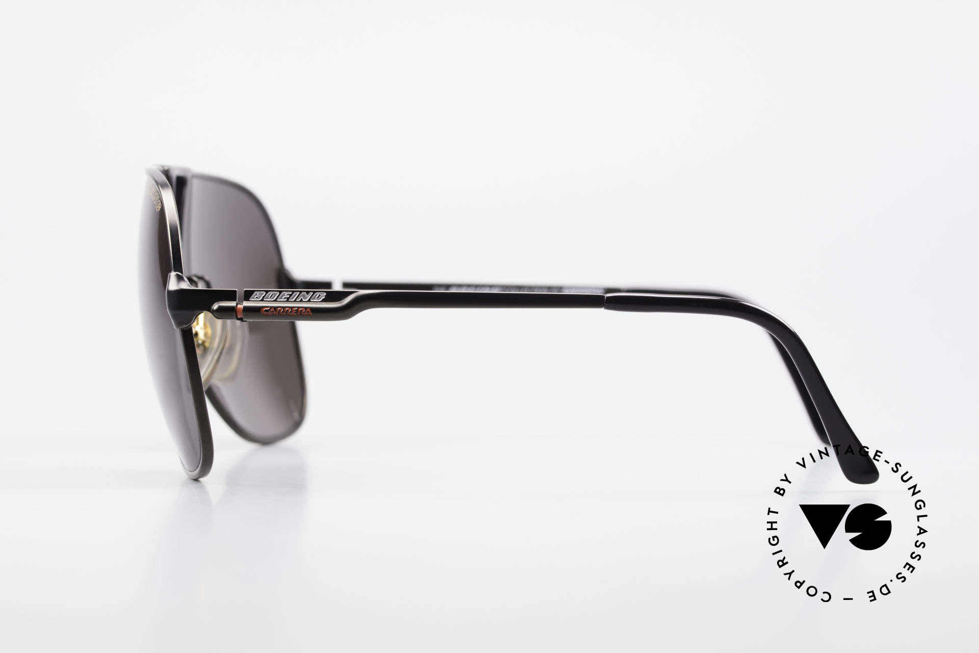 Boeing 5700 Vintage 80's Pilots Shades, new old stock (like all our BOEING aviator shades), Made for Men and Women
