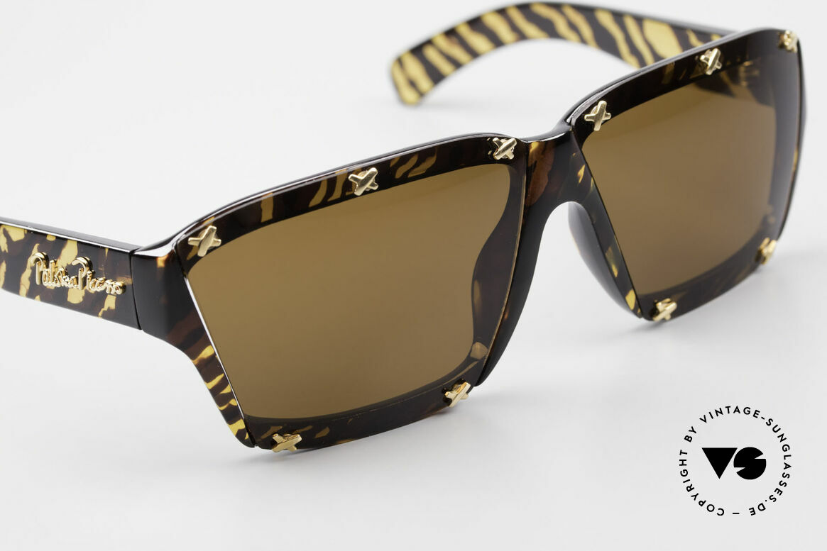 Paloma Picasso 3702 No Retro Sunglasses Original, of course never worn (as all our old 90's treasures), Made for Women