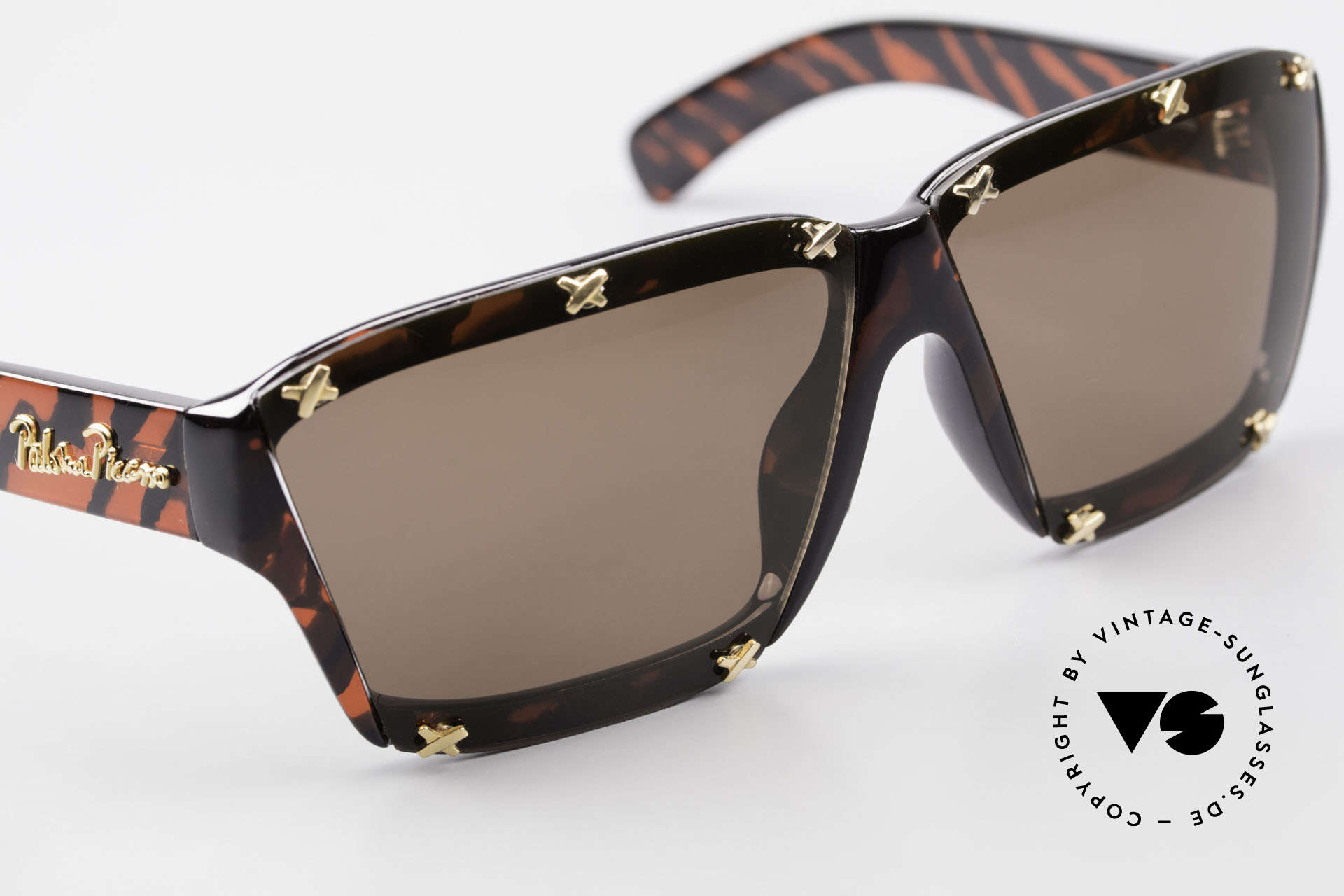 Paloma Picasso 3702 No Retro Sunglasses Vintage, of course never worn (as all our old 90's treasures), Made for Women