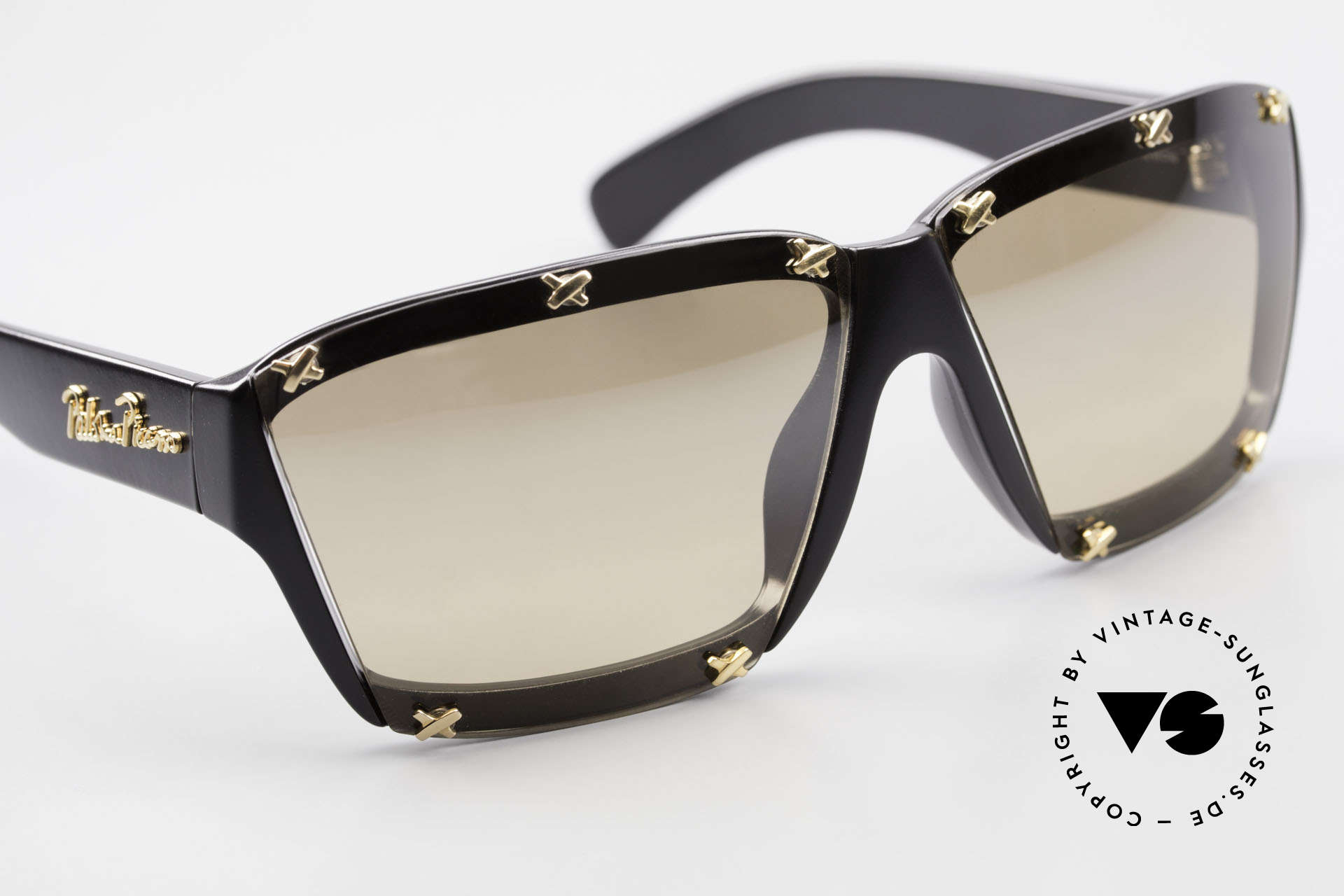 Paloma Picasso 3702 No Retro Sunglasses True 90's, of course never worn (as all our old 90's treasures), Made for Women