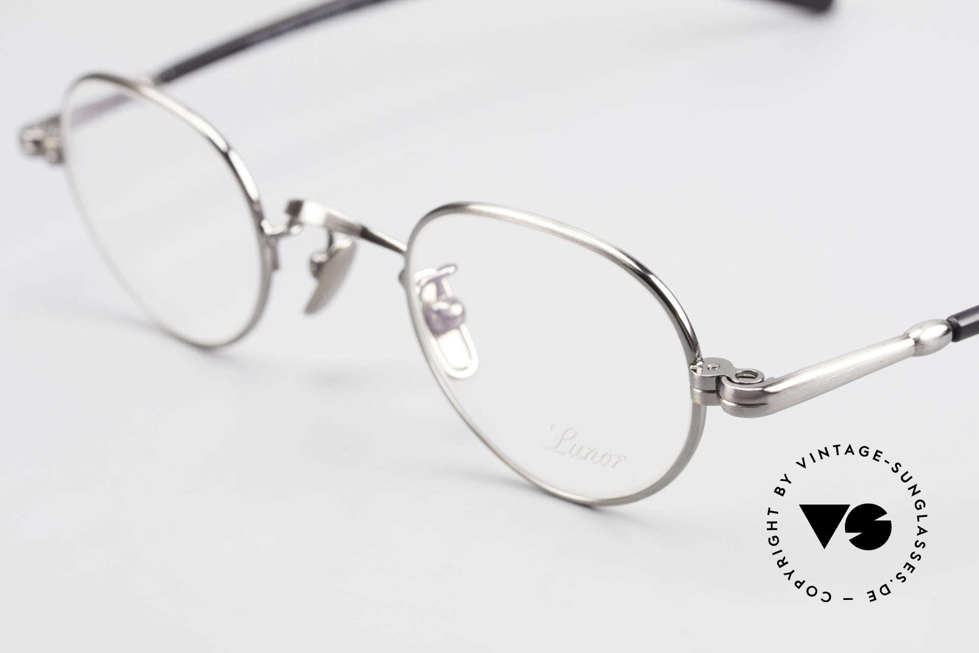Lunor VA 103 Old Lunor Eyeglasses Vintage, model VA 103 = acetate-metal temples & titanium pads, Made for Men and Women