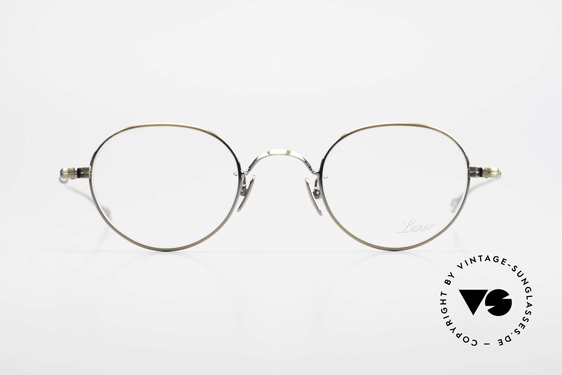 Lunor V 108 Metal Frame With Titanium Pads, without ostentatious logos (but in a timeless elegance), Made for Men