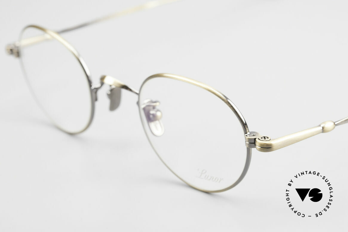 Lunor V 108 Metal Frame With Titanium Pads, from the 2011's collection, but in a well-known quality, Made for Men