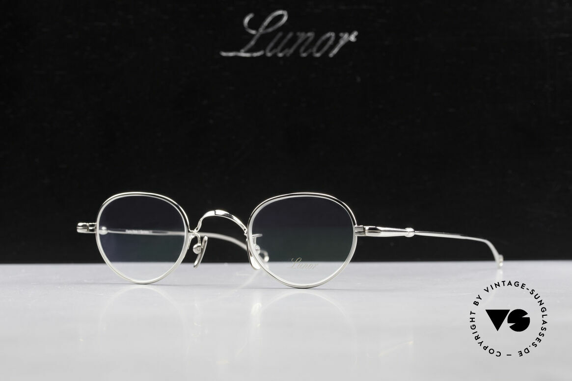 Lunor V 103 Timeless Lunor Eyeglass-Frame, Size: medium, Made for Men and Women