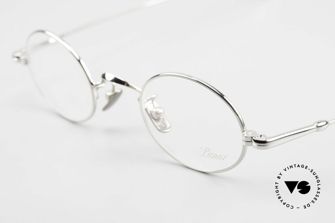 Lunor V 100 Oval Vintage Lunor Glasses, from the 2011's collection, but in a well-known quality, Made for Men and Women