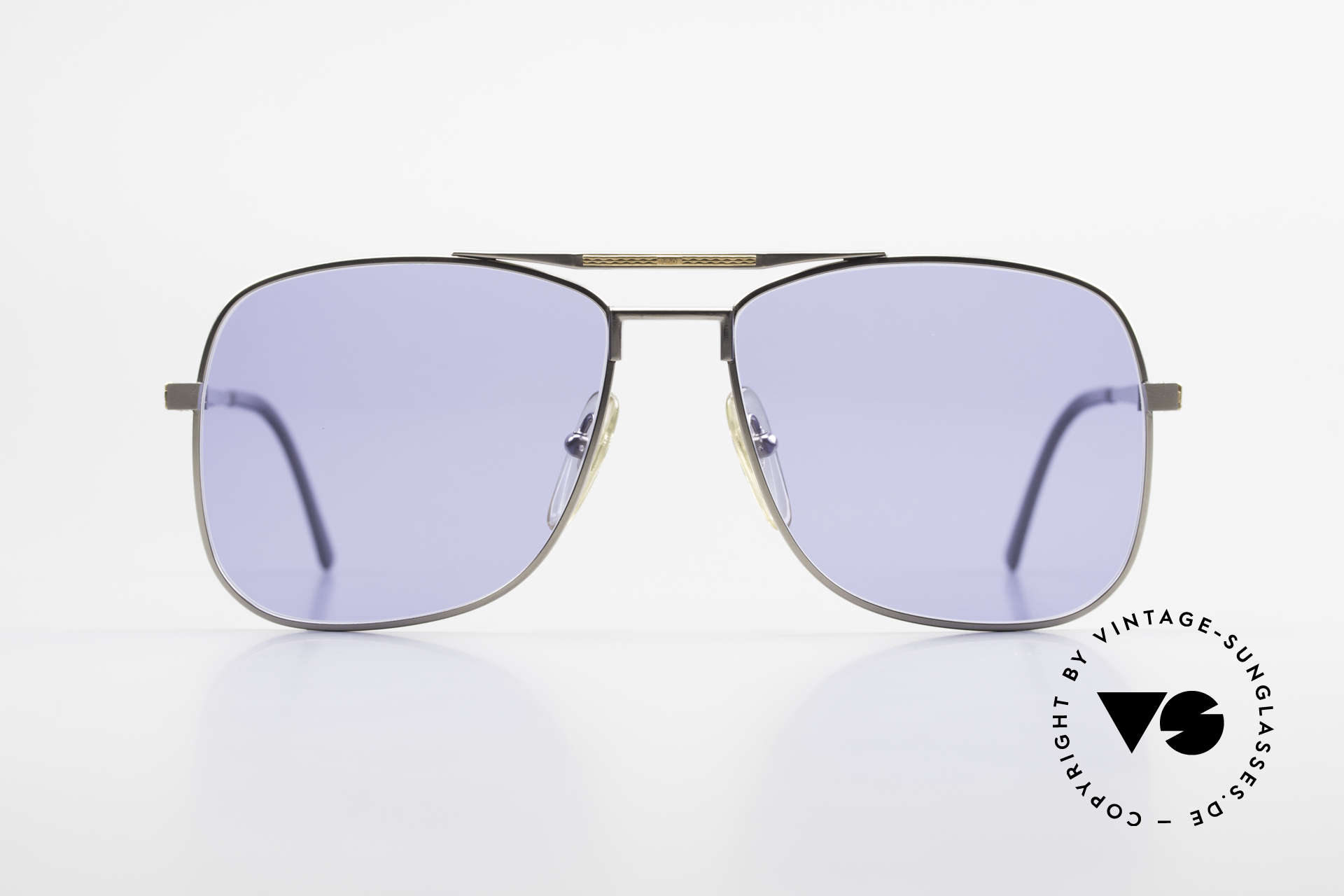 Dunhill 6038 18kt Gold Titanium 80s Shades, this Dunhill model is at the top of the eyewear sector, Made for Men