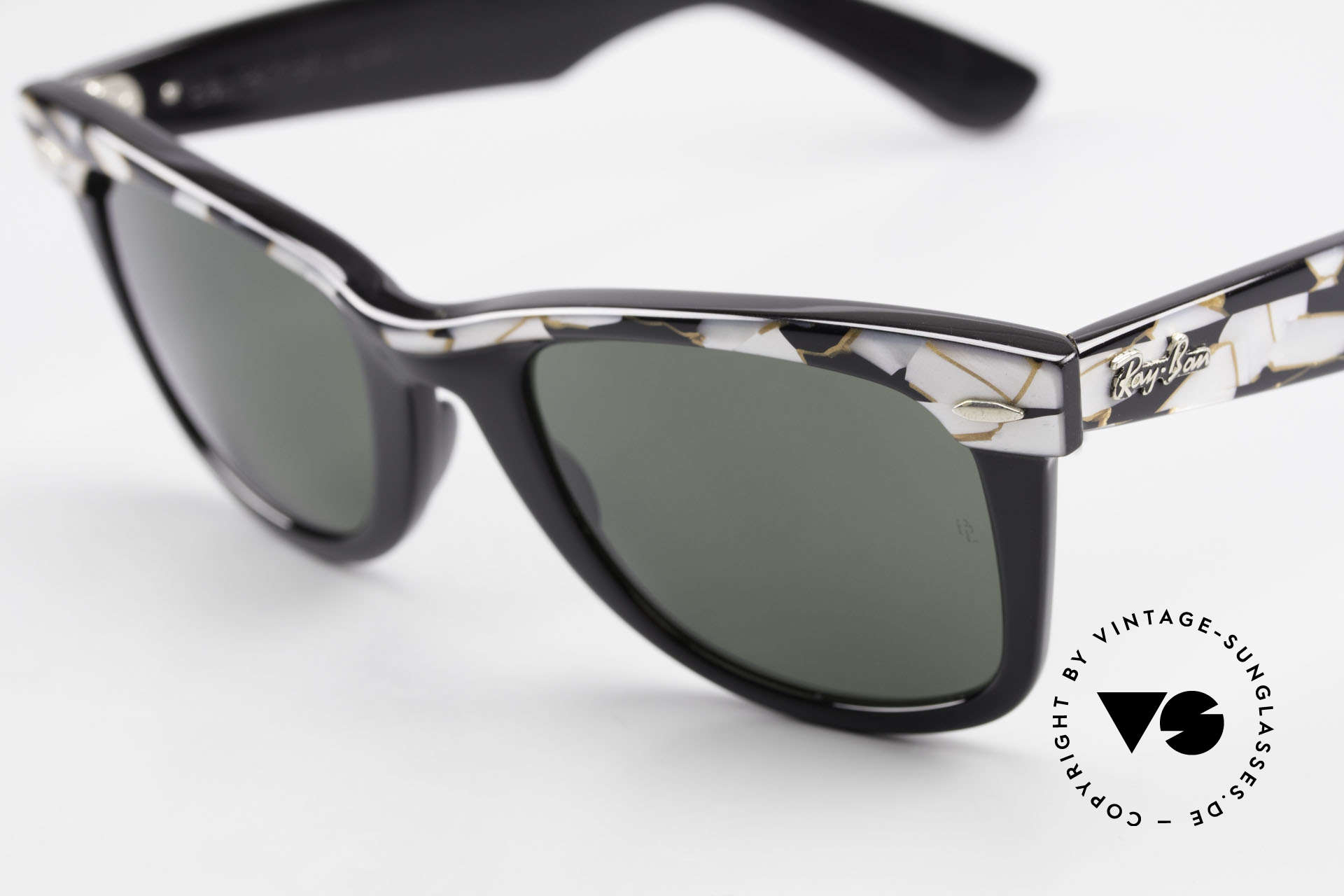 Ray Ban Wayfarer I Original Mosaic Wayfarer 80's, never worn (like all our old B&L RAY-BAN shades), Made for Men and Women