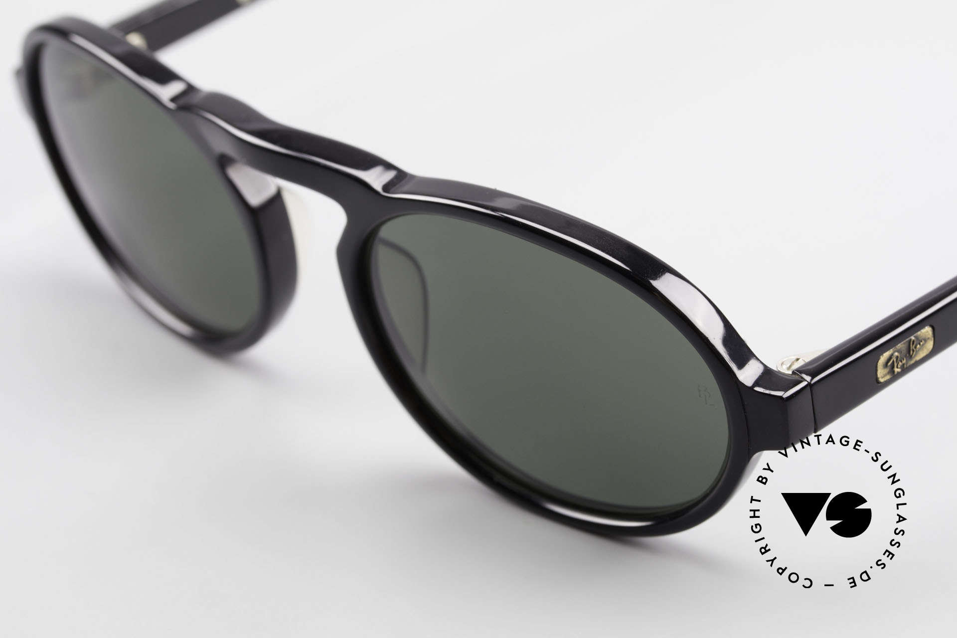 Ray Ban Gatsby Style 3 Old Oval USA Ray-Ban Shades, unworn (like all our vintage Ray Ban shades), Made for Men and Women
