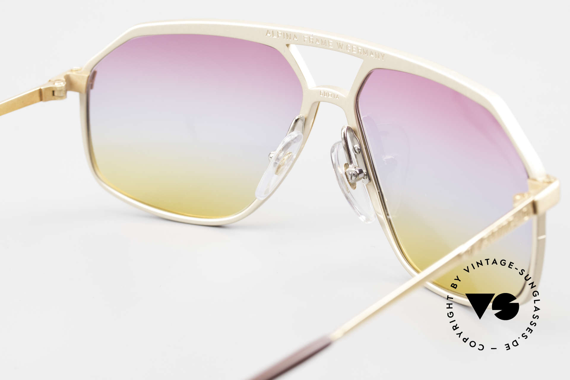 Alpina M6 Iconic 80's Shades Tricolored, never worn (like all our rare old Alpina sunglasses), Made for Men and Women