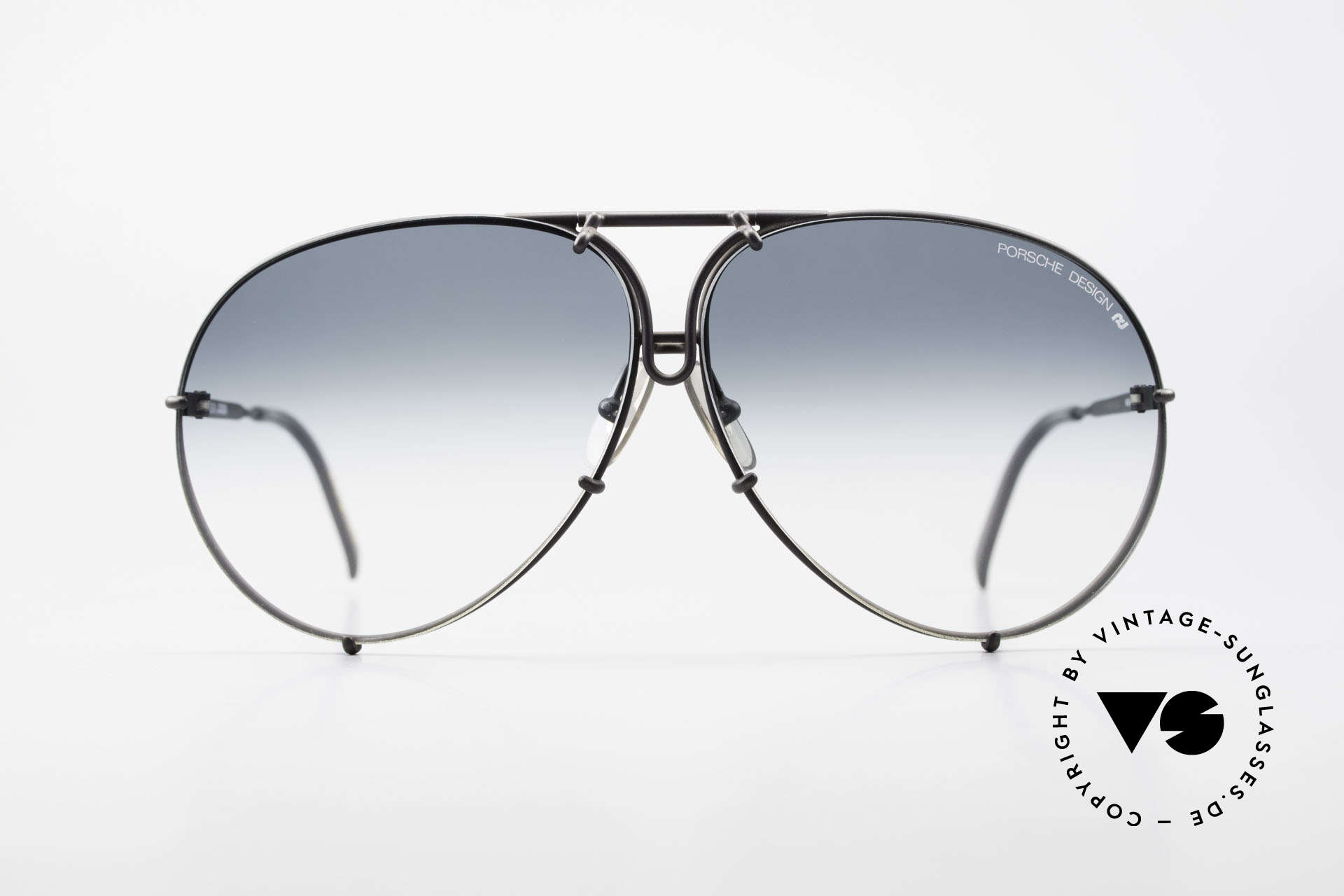 Porsche 5621 Rare 80's Aviator Sunglasses, a true 80's sunglass' classic for men in dulled black, Made for Men