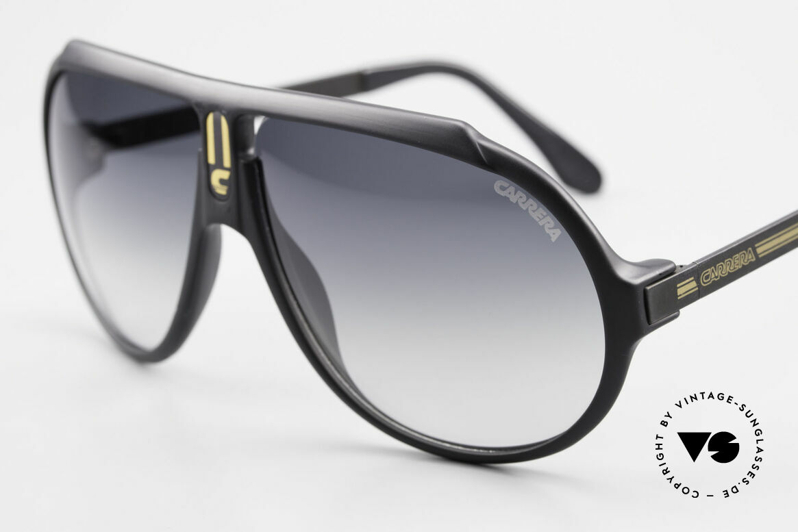 Carrera 5512 Iconic 80's Shades True Vintage, cult object and sought-after collector's item, worldwide, Made for Men