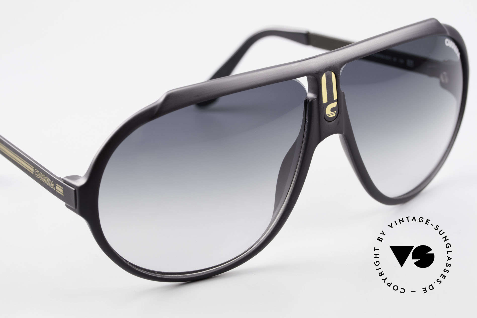 Carrera 5512 Iconic 80's Shades True Vintage, NO RETRO SHADES; but a rare 30 years old ORIGINAL, Made for Men