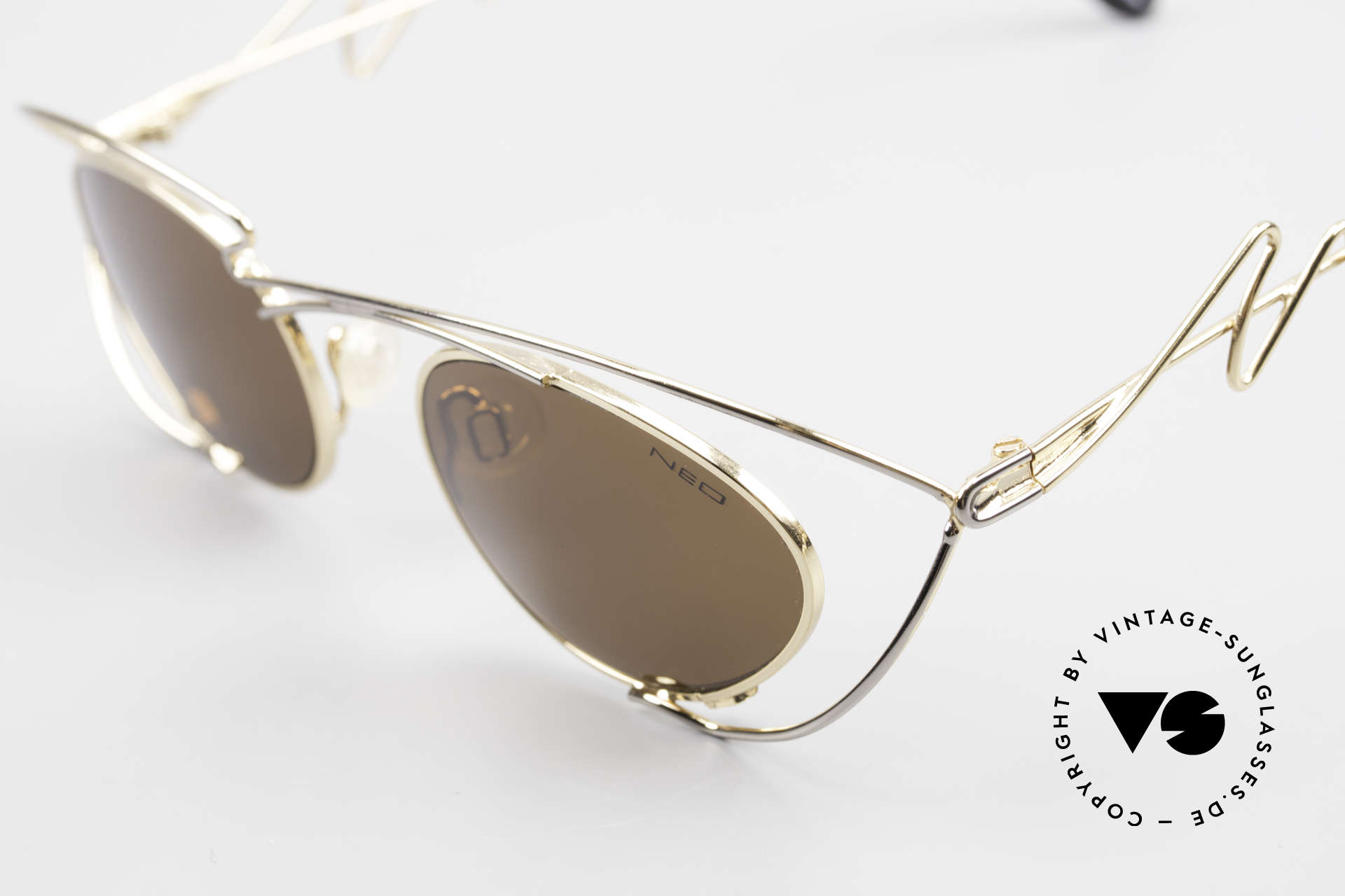 Neostyle Holiday 973 Crazy 90's Ladies Sunglasses, unworn (like all our vintage NEOSTYLE shades), Made for Women