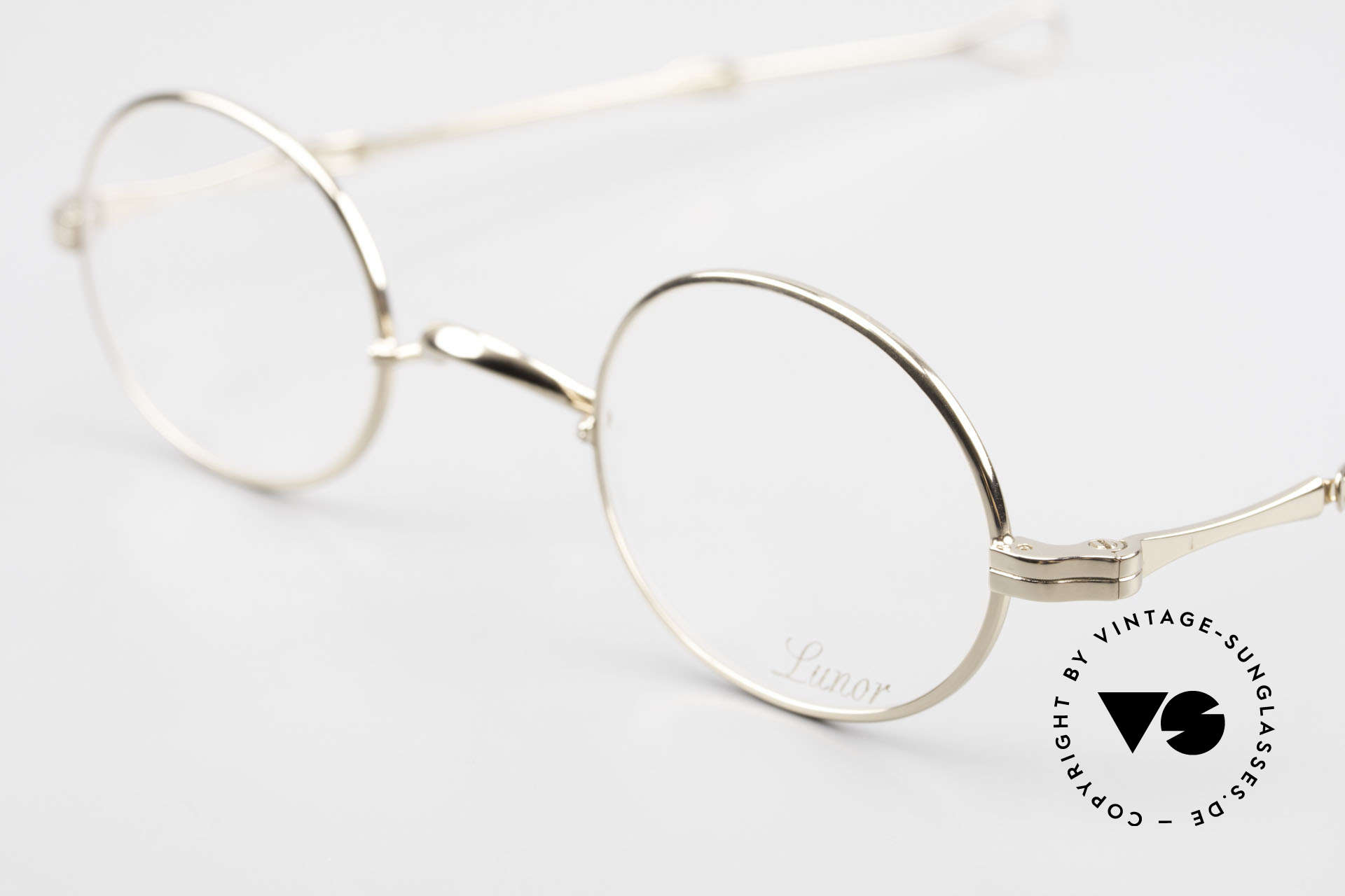 Lunor I 10 Telescopic Lunor Glasses Oval Slide Temple, well-known for the brilliant telescopic / extendable arms, Made for Men and Women