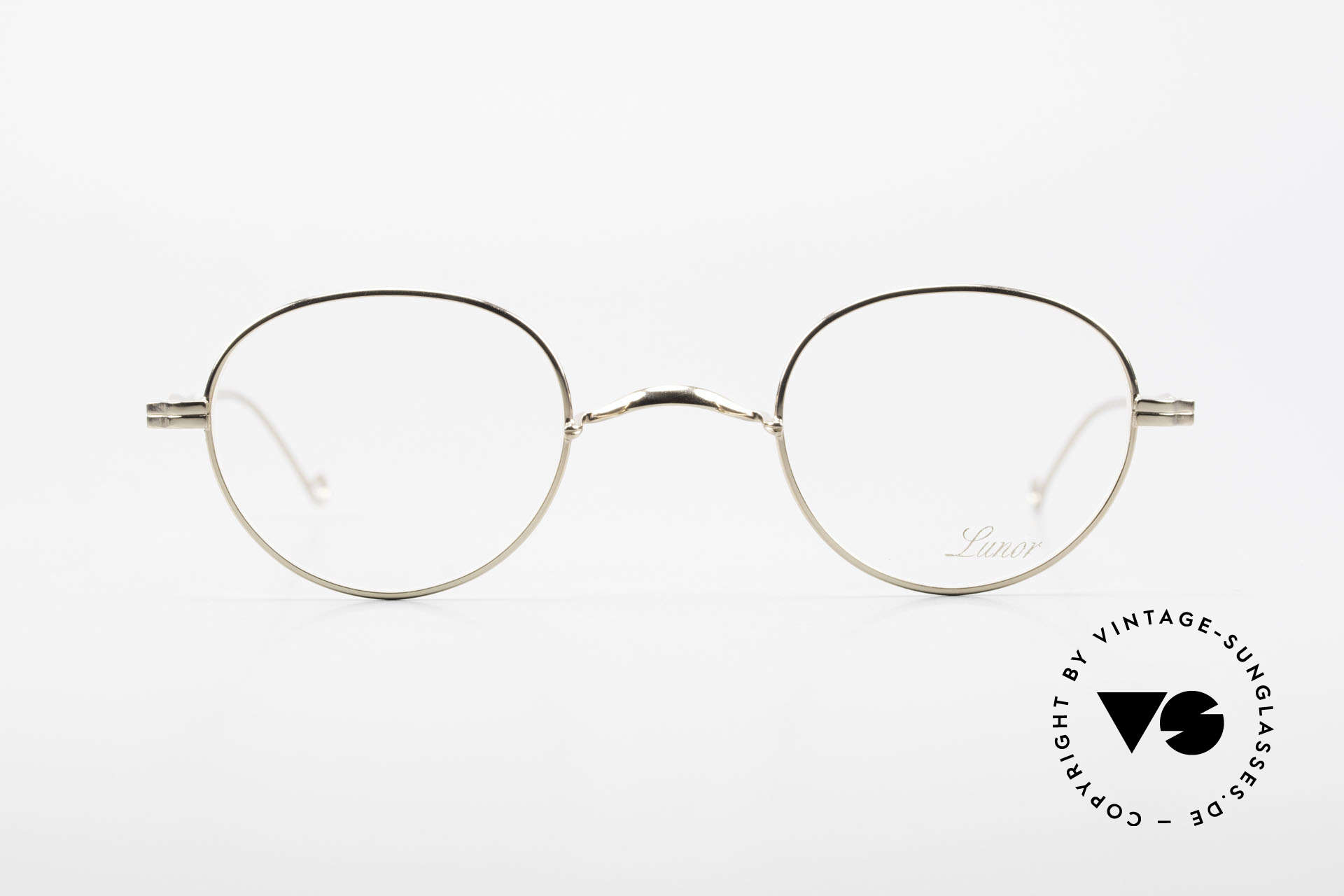 Lunor II 22 Lunor Eyeglasses Gold Plated, full rim metal frame coated with a protection lacquer, Made for Men and Women