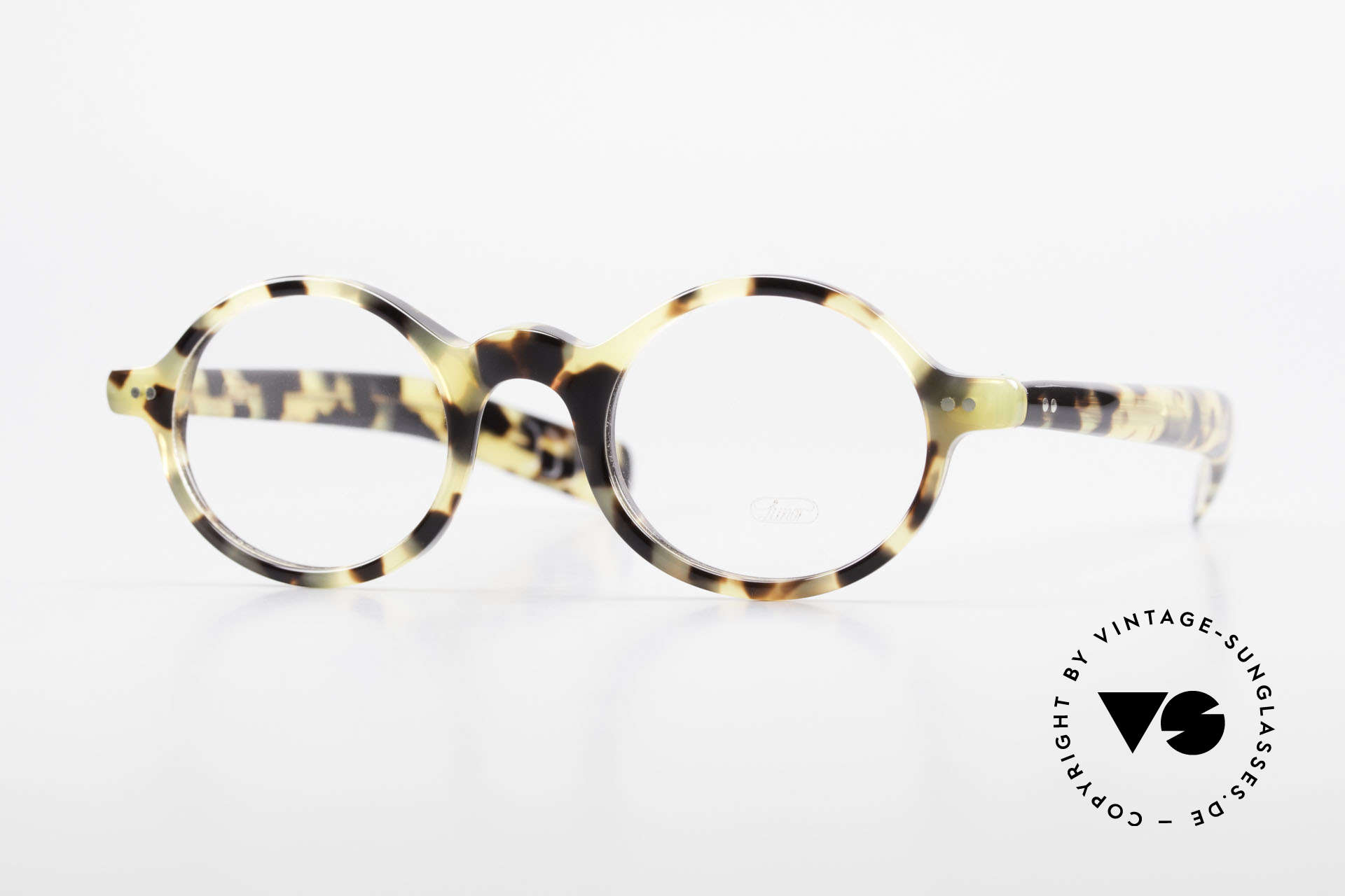 Lunor A52 Oval Lunor Glasses Acetate, LUNOR glasses, model 52 from the Acetate collection, Made for Men and Women