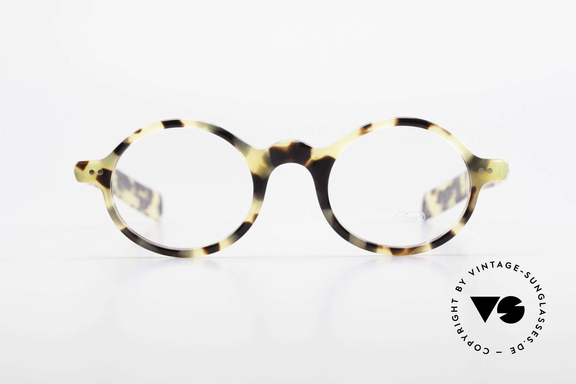 Lunor A52 Oval Lunor Glasses Acetate, riveted hinges; cut precise to the tenth of a millimeter, Made for Men and Women