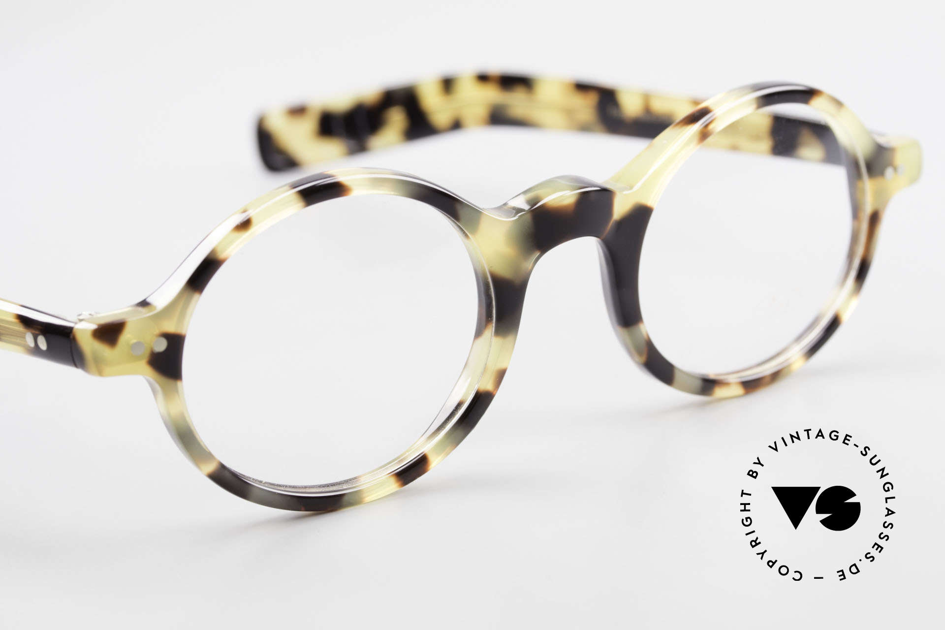Lunor A52 Oval Lunor Glasses Acetate, the demo lenses can be replaced with optical (sun) lenses, Made for Men and Women