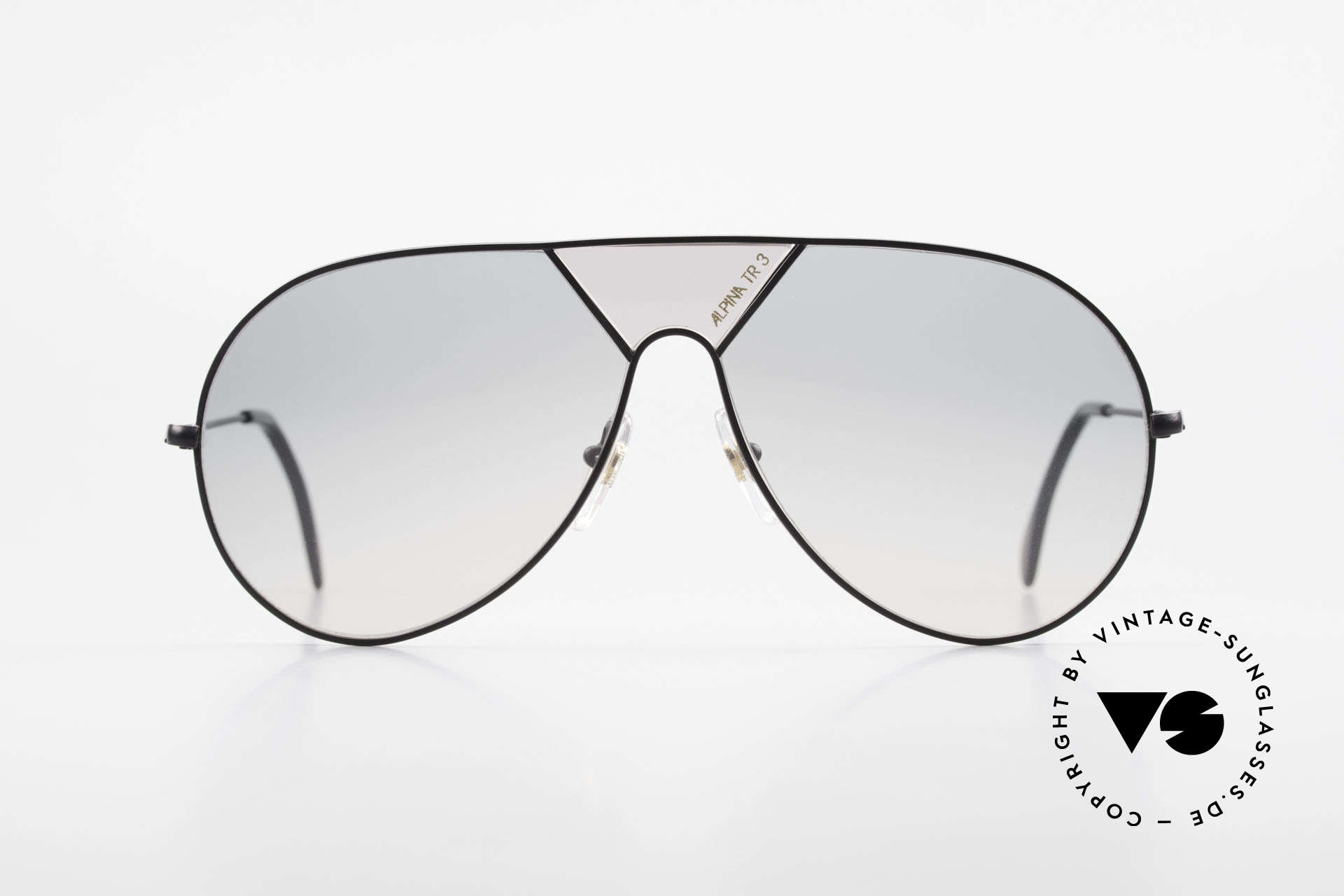 """Alpina TR3 80's Sunglasses Limited Edition, with the """"Alpina TR3"""" lettering on the centerpiece, Made for Men"""