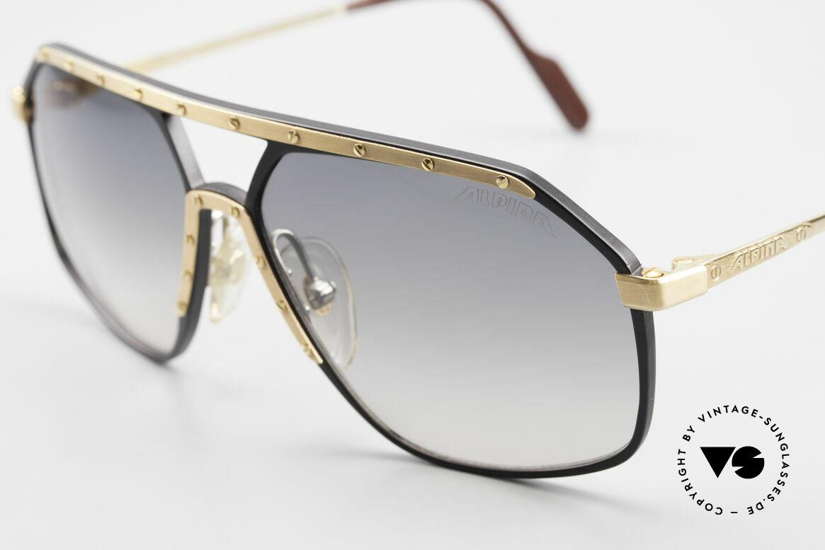 Alpina M6 True Vintage 80's Sunglasses, black/gold: golden screws & gold ornamental cover, Made for Men and Women