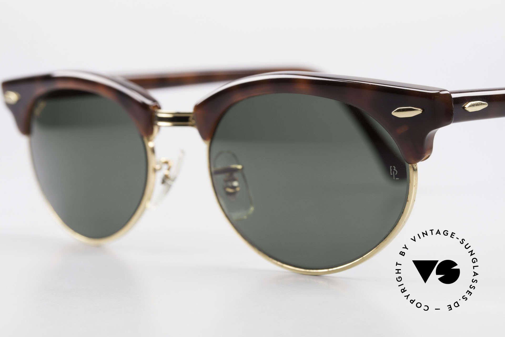 Ray Ban Clubmaster Oval 80's Bausch & Lomb Original, never worn (like all our vintage Ray Ban eyewear), Made for Men and Women