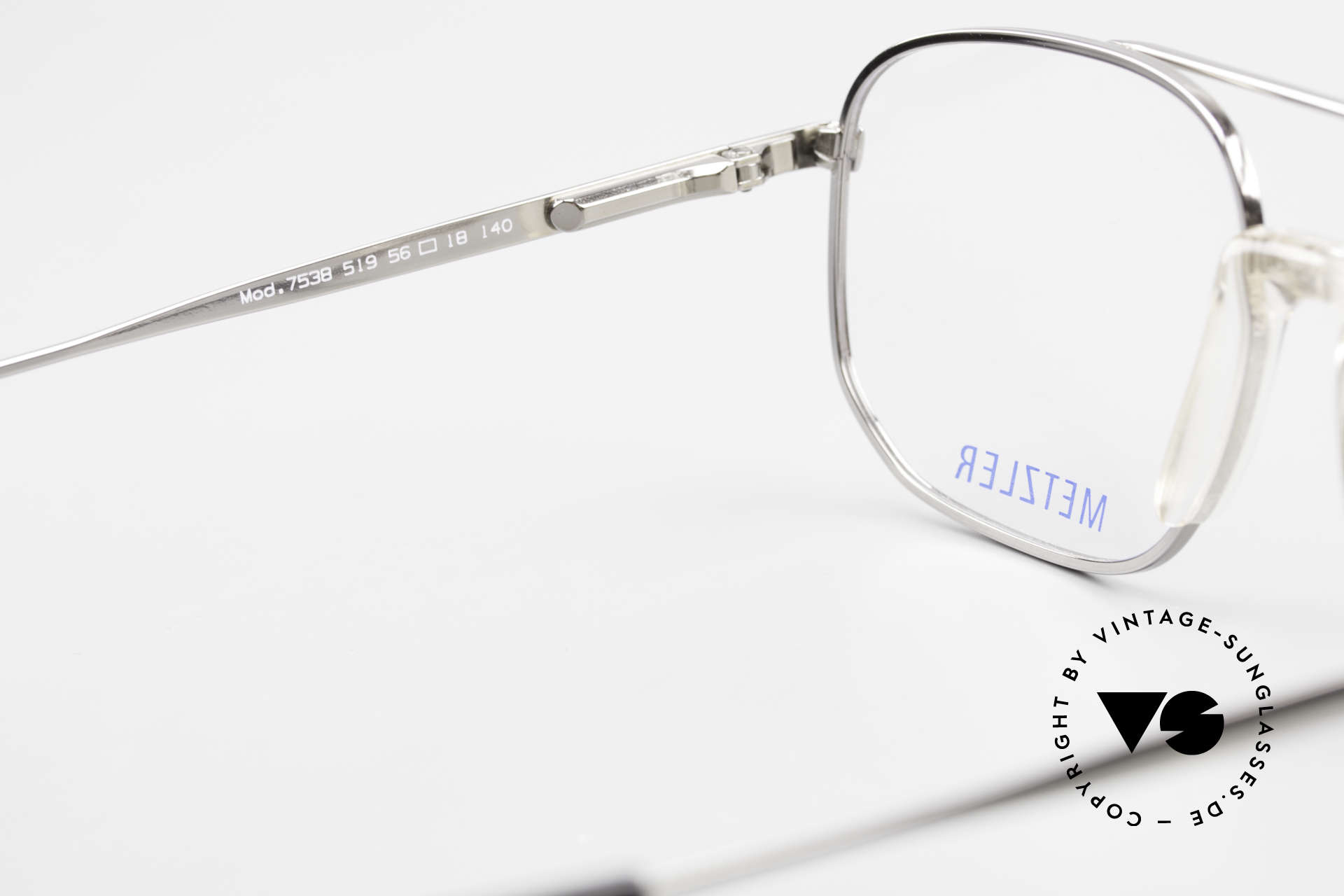 Metzler 7538 Metal Frame With Saddle Bridge, with subtle gray pattern on the frame, check pics!, Made for Men