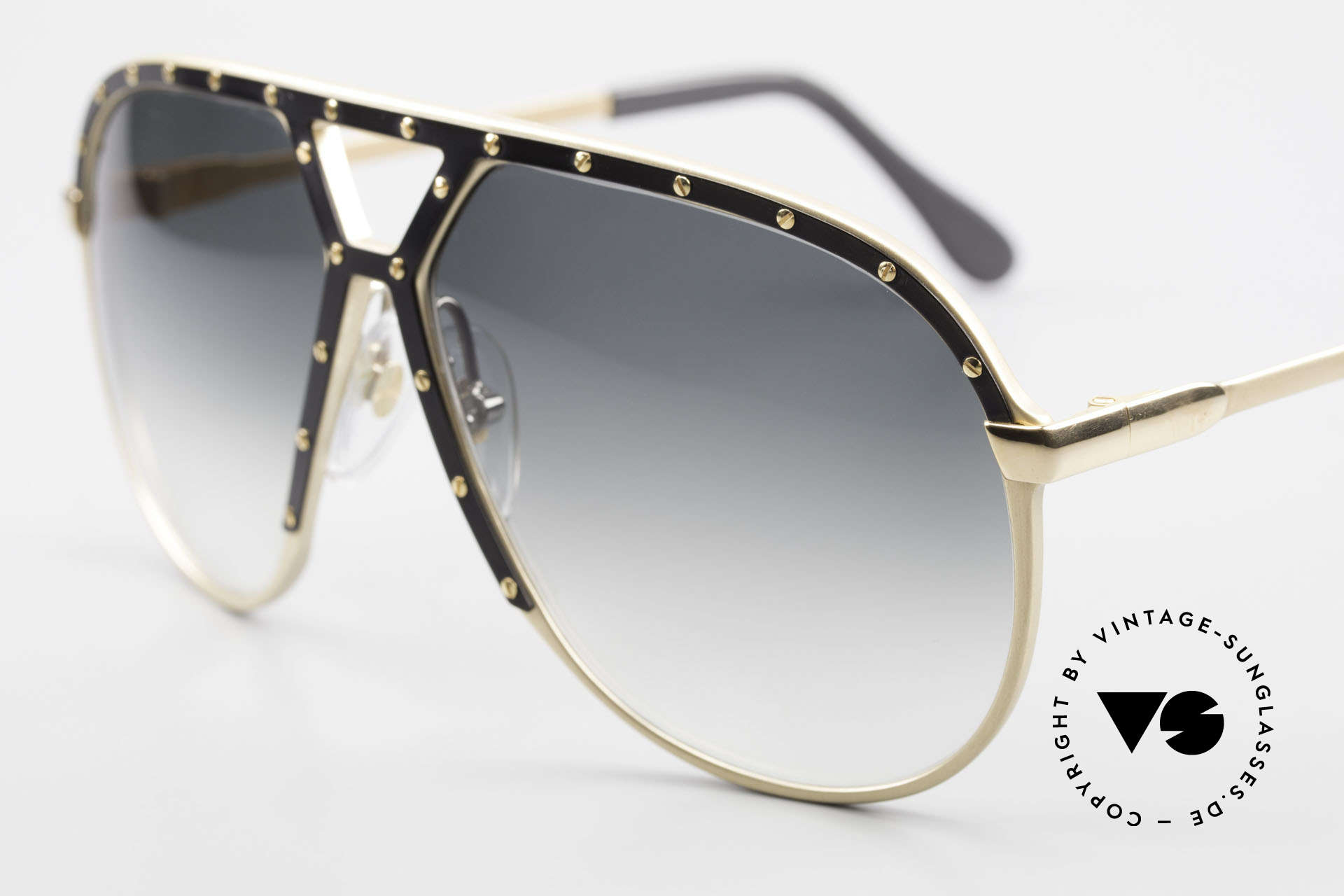 Alpina M1 Old 80's West Germany Shades, here, the precious version in GOLD-BLACK-GOLD, Made for Men