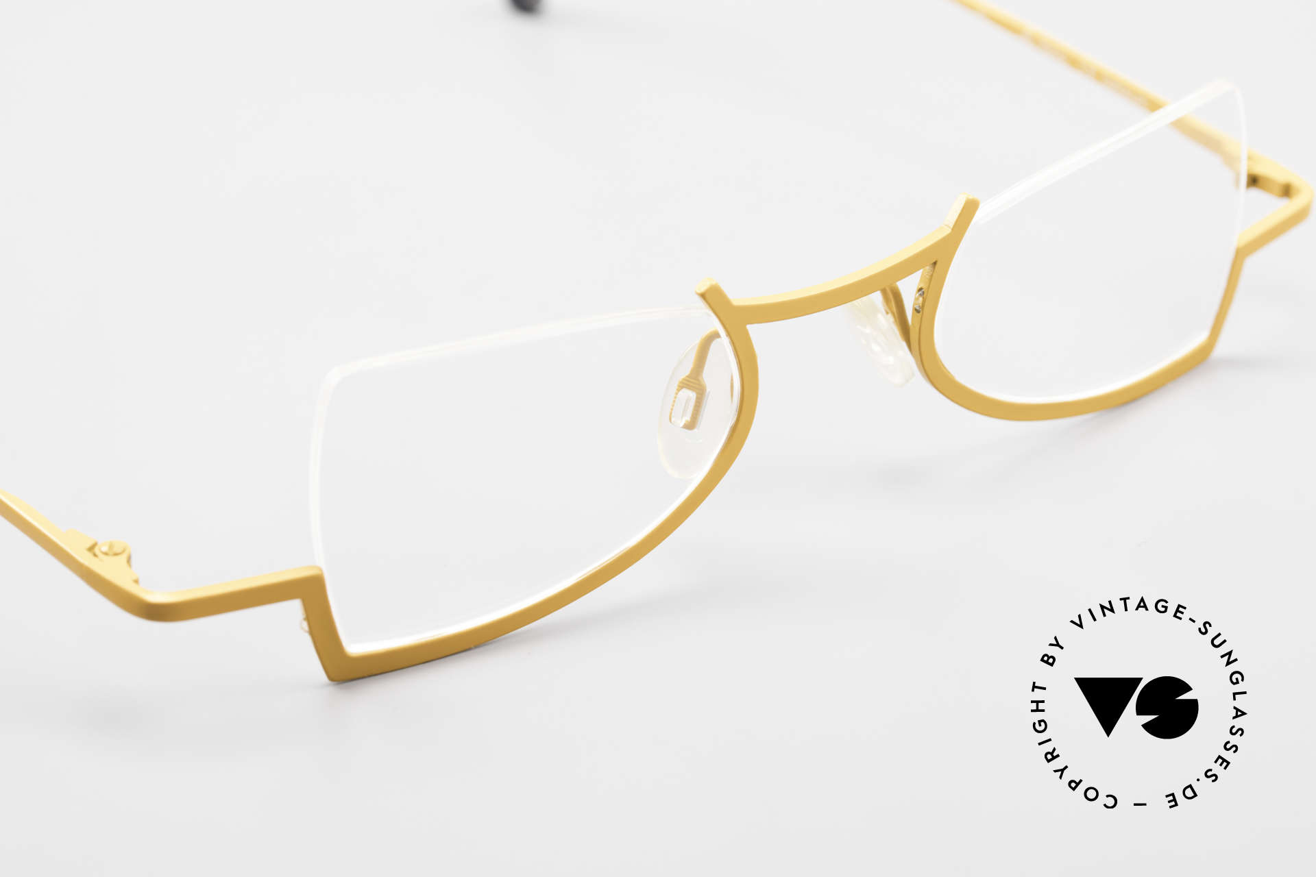 Theo Belgium Kyuu Crazy Reading Glasses Titanium, the DEMO lenses should be replaced with prescriptions, Made for Women