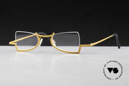Theo Belgium Kyuu Crazy Reading Glasses Titanium Details