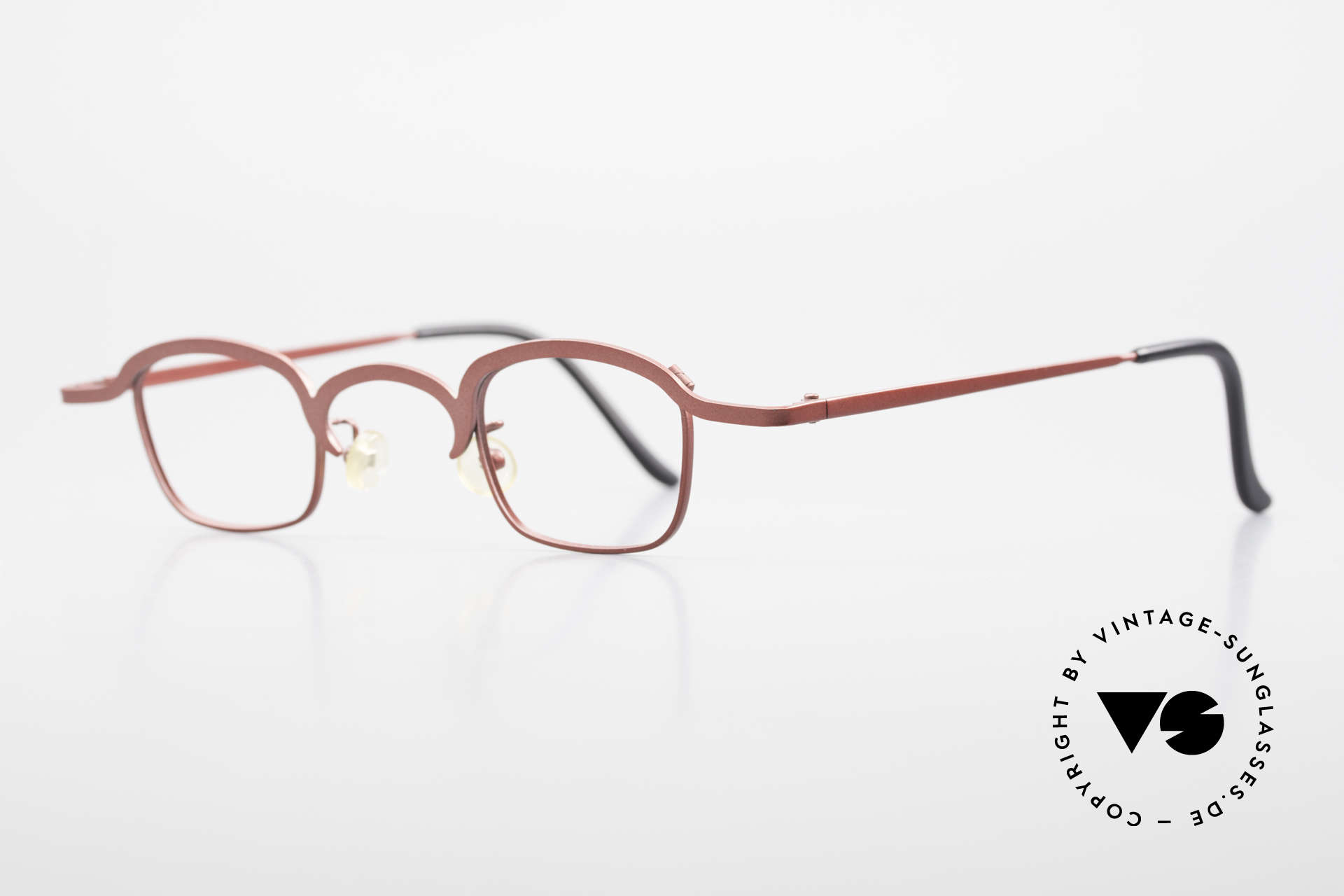 Theo Belgium Armes Full Rim Metal Frame Unisex, extraordinary frame in top-quality (unisex; ruby-colored), Made for Men and Women