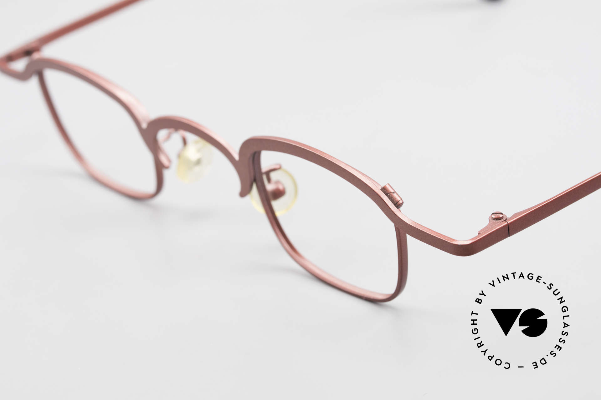 Theo Belgium Armes Full Rim Metal Frame Unisex, unworn vintage eyeglass-frame (with representativeness), Made for Men and Women
