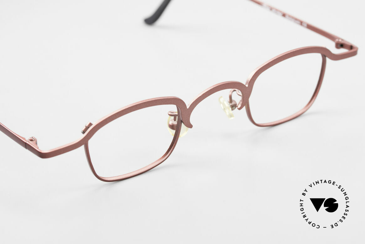 Theo Belgium Armes Full Rim Metal Frame Unisex, the metal frame can be glazed with optical (sun) lenses, Made for Men and Women