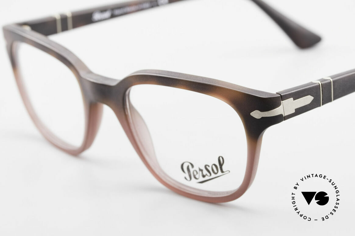 Persol 3093 Unisex Glasses Classic Frame, reissue of the old vintage Persol RATTI models, Made for Men and Women
