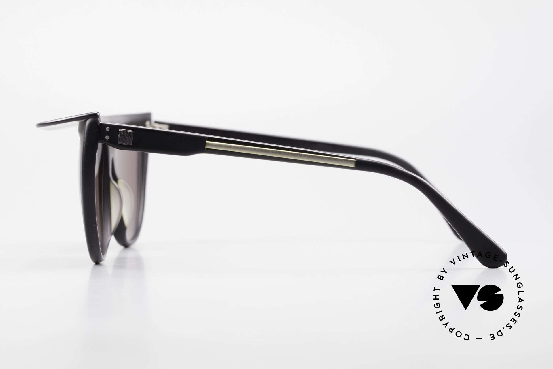 Ugppi 9801 Marquee Sunglasses 90s Japan, something really different, interesting single piece, Made for Men and Women