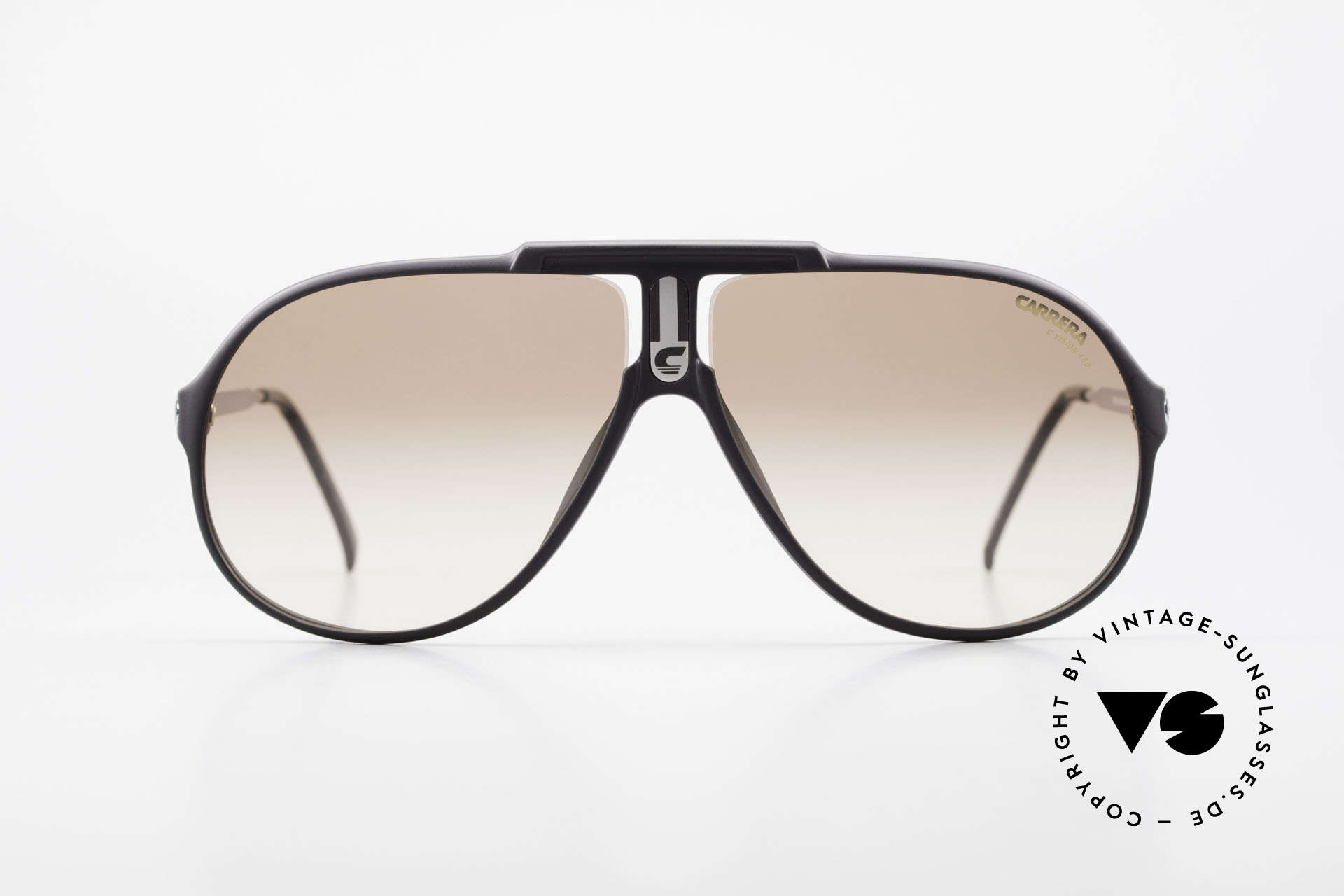 Carrera 5590 Sporty 80's Aviator Sunglasses, frame made of durable and long-living OPTYL material, Made for Men