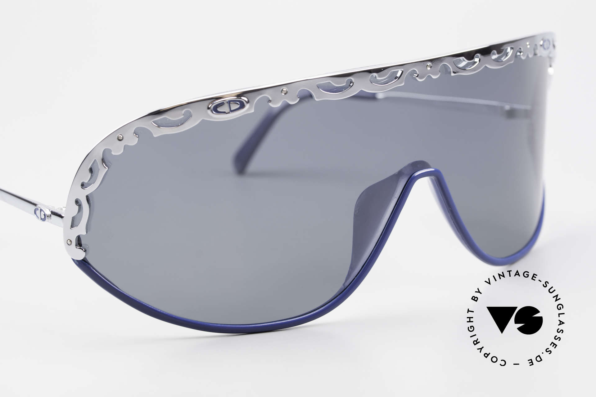 Christian Dior 2501 Panorama View Shades 80s 90s, NO RETRO sunglasses, but a 30 years old vintage rarity, Made for Women