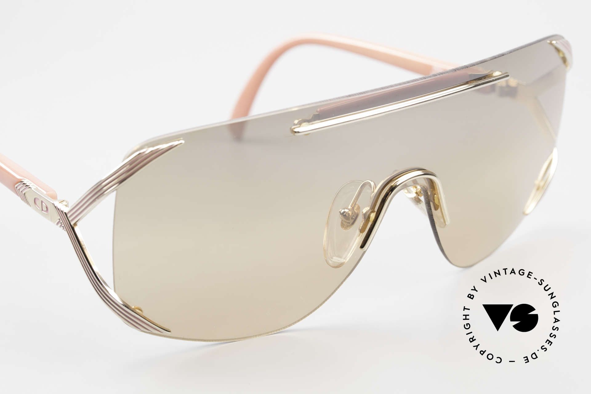 Christian Dior 2434 Light Pink Mirrored Shades 80s, NO RETRO fashion, but a unique 30 years old original, Made for Women