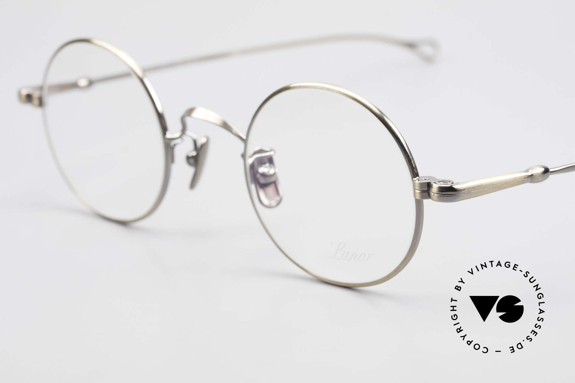 Lunor V 110 Round Lunor Glasses Vintage, model V110: an eyewear classic for ladies & gentlemen, Made for Men and Women