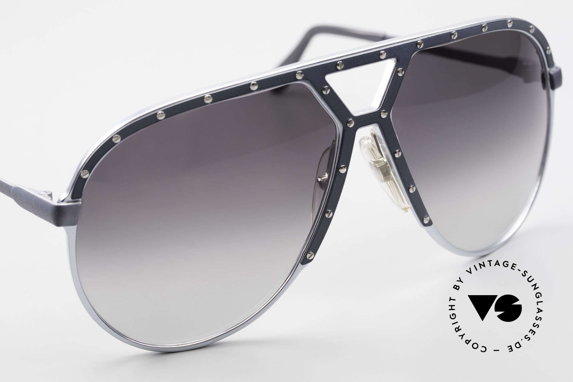 Alpina M1 Of The First M1 80's Generation, unworn with gray-gradient sun lenses & Bvlgari case, Made for Men