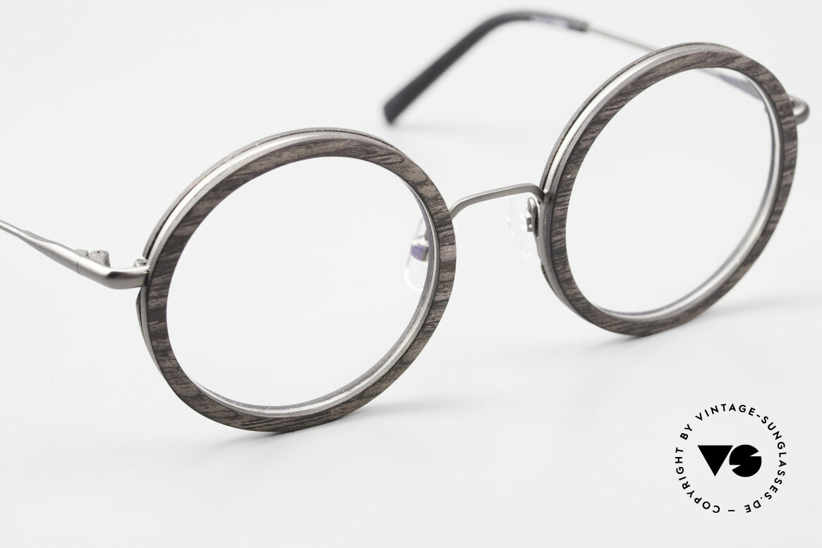 Kerbholz Rudolph Wood Frame Round Blackwood, brilliant combination of materials, colors and shape, Made for Men and Women